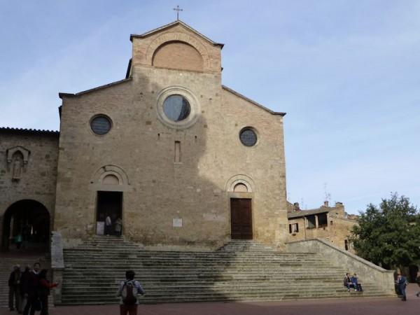 参事会教会