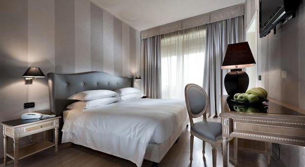 ホテル「アンバシアトリ」の写真