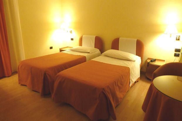 ウルビーノのホテル「アルベルゴ・イタリア」の客室
