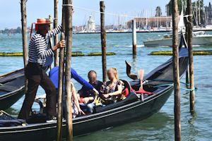 venezia-gondola12